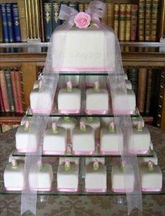 Mini cakes, so simply pretty