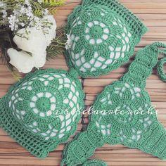 Crochet Snowflake Pattern, Crochet Snowflakes, Crochet Blanket Patterns, Free Crochet, Knit Crochet, Crochet Bathing Suits, Booties Crochet, Crochet Fashion, Crochet Designs