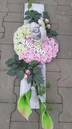 - MyKingList.com Arrangements Funéraires, Funeral Flower Arrangements, Funeral Flowers, Grave Decorations, Flower Decorations, Pinterest Garden, Cemetery Flowers, Ikebana, Woodworking Projects