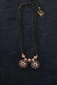Pearl Necklace Designs, Jewelry Design Earrings, Gold Jewellery Design, Beaded Jewelry, Gold Necklace, Spike Necklace, Fancy Jewellery, Antique Necklace, Bead Jewellery