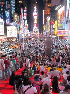 Fotografía: Clara Hernandez Korai - Time Square Times Square, The Good Place, Spain, Nice, Travel, Life Symbol, New York City, Cities, Viajes