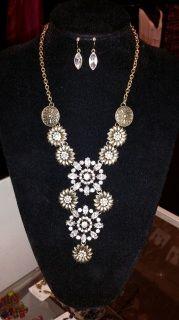 Floral Hardware Necklace Set - Gold