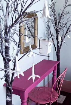 deco & recup - Carolyne's Home Hallway Inspiration, Interior Design Inspiration, Deco Sophie Ferjani, Twig Tree, Cute Desk, Pop Design, Kids Decor, Home Decor, Centre Pieces