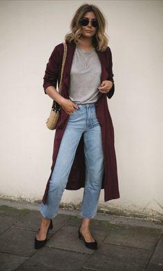 Conheça o Estilo da Blogueira Emma Hill - Gabi May Cozy Fashion, Minimal Fashion, Urban Fashion, Jeans Fashion, Mom Jeans Outfit, Fall Capsule Wardrobe, Look Cool, Distressed Denim, Autumn Winter Fashion