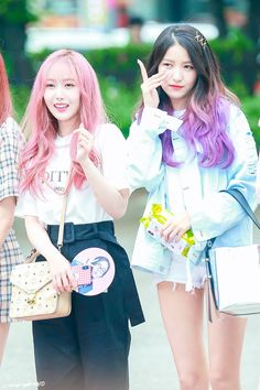 Ft. Sowon Kpop Girl Groups, Korean Girl Groups, Kpop Girls, Sinb Gfriend, Gfriend Sowon, Baby Jessica, Entertainment, G Friend, Dove Cameron