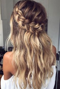Boho Pins: Top 10 Pins of the Week – Braided Hair Styles – Übergangsfrisuren Down Hairstyles, Pretty Hairstyles, Easy Hairstyles, Hairstyles For Medium Length Hair, Medium Hair Braids, Baddie Hairstyles, African Hairstyles, Hairstyle Ideas, Hairstyles For Women