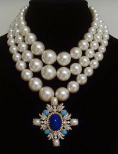 ⓒKenneth Lane Pendant Necklace/Brooch