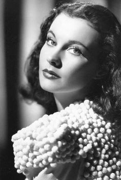 Image shared by Mimi. Find images and videos about old hollywood and vivien leigh on We Heart It - the app to get lost in what you love. Hollywood Icons, Old Hollywood Glamour, Golden Age Of Hollywood, Vintage Hollywood, Hollywood Actresses, Classic Hollywood, Actors & Actresses, Old Hollywood Stars, Vivien Leigh