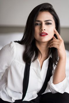 Shraddha Srinath Top Best Photos And HD wallpapers. Shraddha Srinath is an Indian film actress who predominantly appears in Kannada and Tamil films. Stylish Girl Images, Stylish Girl Pic, Beautiful Bollywood Actress, Most Beautiful Indian Actress, Beauty Full Girl, Beauty Women, Beautiful Celebrities, Beautiful Actresses, Beautiful Girl Photo
