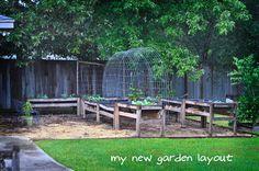 loving my fall/winter garden. DIY garden    www.raisedurbangardens.com