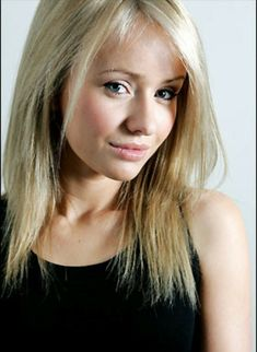 """Born: October 1985 - Samantha """"Sammy"""" Winward is an English actress, singer and model. She is best known for playing the role of Katie Sugden in the ITV soap opera Emmerdale from 2001 to Emmerdale Characters, Emmerdale Actors, Celebrity List, Latest Celebrity News, Celebrity Crush, Sammy Winward, English Actresses, Celebs, Celebrities"""