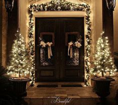 All Things Beautiful: Christmas Porch {Garland} love the square wreaths Front Door Christmas Decorations, Christmas Front Doors, Christmas Porch, Noel Christmas, Holiday Decor, Outdoor Christmas Garland, Outdoor Decorations, Country Christmas, Christmas Mantles