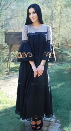 Order Exclusive long dress with embroidery and lace 'is a Delight'. Modest Fashion Hijab, Pakistani Fashion Casual, Pakistani Dress Design, Abaya Fashion, Pakistani Bridal Dresses, Muslim Fashion, Fashion Outfits, Women's Fashion, Abaya Designs