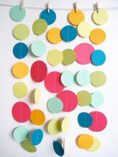 Color Burst Paper Garland in Brights por MintAfternoon en Etsy, $9,00