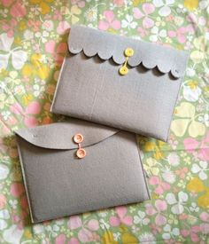 DIY Ipad case. Using felt and a pretty button to make this adorable iPad case. See how to do it