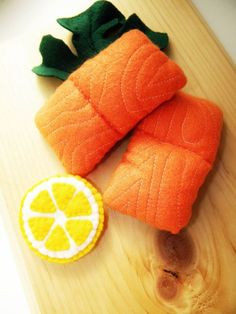 Play Felt Food Salmon with lemon slice от Marche73 на Etsy