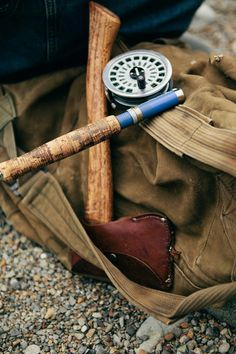 largemouth bass fly fishing tips Fly Fishing Tips, Fishing Boats, Fishing Kit, Fishing Lures, Rock And Roll, Fly Casting, Fly Rods, Man Up, Fly Fishing