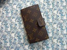 ヴィトンのバッグをリメイクして手帳型スマホカバーにの作り方 その他 ファッション小物 作品カテゴリ アトリエ