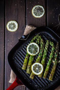 esparragos-plancha, ensalada-quinoa-trigueros-parmesano-albahaca, salad, quinoa, asparragus, parmesan, saludable, sana, healthy, green, food photography, food-photographer, food-stylist, food-styling, receta, cocina, cooking