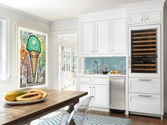 House of Turquoise: Amy Studebaker Design Kitchen Dinning, Glass Kitchen, Kitchen Decor, Kitchen Ideas, Dining Area, Dining Chairs, Dining Table, Beach Cottage Kitchens, Bungalow Kitchen