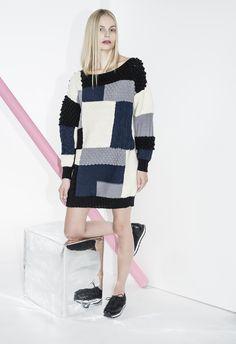 Novita's graphic Nordic knits, Womans tunic made with Novita Nordic Wool yarn. Nordic Design, Wool Yarn, Knits, Knitting, Sweaters, Yarns, Crocheting, Passion, Dresses