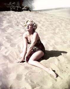 Marilyn Monroe photographed by Earl Theisen, 1951. -