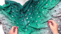 Trojúhelníkový šátek s pavím vzorem 1. díl