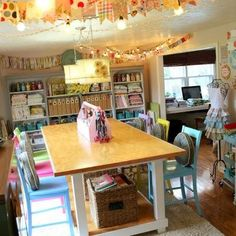 10 secrets behind this tidy craft room.