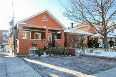 362 Northcliffe Blvd listed by Svetlana Kligman offered for lease. Featuring 4 rooms, 2 bedrooms and 2 bathrooms at Dufferin and St. Clair.