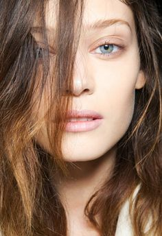 What To Eat for Strong, Healthy Hair - theFashionSpot