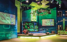 A look at breakthrough design trends to engage children and families Kids Church Stage, Kids Church Decor, Kids Church Rooms, Youth Ministry Room, Youth Rooms, Sunday School Rooms, Kids Cafe, Church Design, Environmental Design