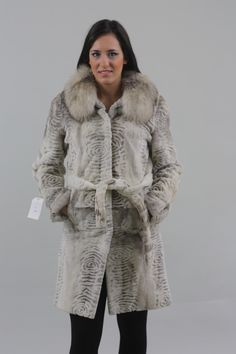 Gray Sculpted Mink Fur Coat with Fox Collar - SKANDINAVIK FUR Mink Fur, Sculpting, Fur Coat, Gray, Jackets, Fashion, Down Jackets, Moda, Sculpture