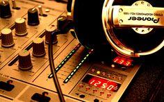 Pioneer HDJ-1000 Stereo Headphones HD Wallpaper Music