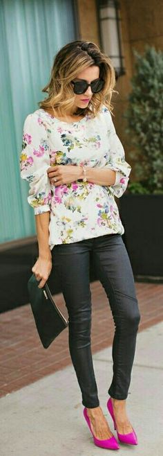 Here's a great way to wear your Bonnie Blacks during the spring! We love this chic look