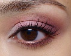 Napolitan Ice-Cream Eye Tutorial: Cream, Pink, and Brown Matte BH Cosmetic Pan Eyeshadows (from BH Cosmetics)