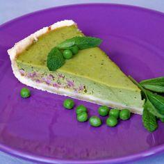Tarte à la crème de petits pois – Ingrédients de la recette : 300 g de farine, 150 g de beurre demisel bien mou, 8 cl d'eau tiède