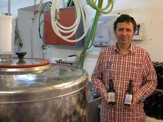 Morbihan. Brasseur à Languidic, Yvonnick produit deux recettes de bières   Ouest France Entreprises