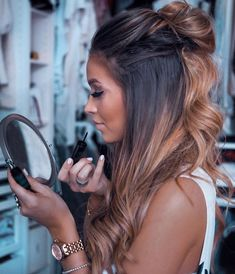 22 new beautiful hair color trends for 2019 - # for # hair color trends . - 22 new beautiful hair color trends for 2019 – - Gorgeous Hair Color, Brown Blonde Hair, Dark Ombre Hair, Blonde Honey, Golden Blonde, Hair Color Balayage, Bayalage, Balayage Brunette Long, Redken Hair Color