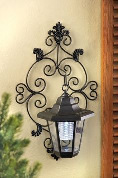Solar Powered Lantern Wall Mounted Porch Patio Post Yard Garden Lamp Light