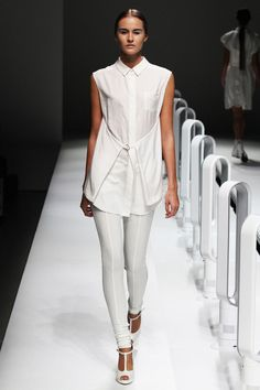 SPRING 2013 READY-TO-WEAR  A Degree Fahrenheit