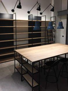 Industrial Design Furniture, Industrial Style, Furniture Design, Shelf Brackets Modern, Kitchen Supply Store, Shop Shelving, Showroom Interior Design, Pantone 2020, Ikea