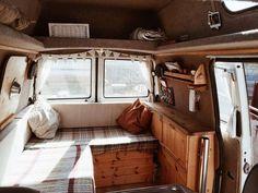 30 Astonishing RV & Camper Van Interior Design Ideas For Nice Camping Campervan Interior, Rv Interior, Best Interior Design, T4 Camper Interior Ideas, Van Conversion Interior, Camper Conversion, Camper Life, Vw Camper, Campers