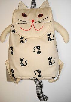 mochila de gato... la cara puede quedar mas linda!!