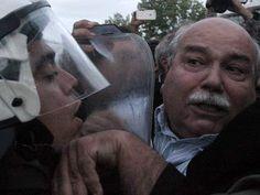 Ινφογνώμων Πολιτικά: Στο συλαλλητήριο ο ΣΥΡΙΖΑ χτύπησε με χημικά τον ίδ... Blog, Fictional Characters, Blogging, Fantasy Characters