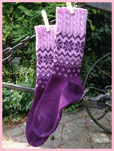 """""""Cold feet are annoying, especially your own."""" (Wilhelm Busch) – The Best Ideas Knitting Socks, Hand Knitting, Fair Isle Knitting Patterns, Crochet Patterns, Sock Toys, Cold Feet, Patterned Socks, Designer Socks, Knitting For Beginners"""