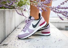 Nike Wmns Internationalist PRM (Light Bone / Black - Plum Fog - Summit White)