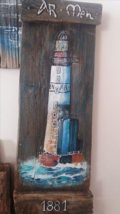 recupero tavole di legno -  faro dipinto con acrilici