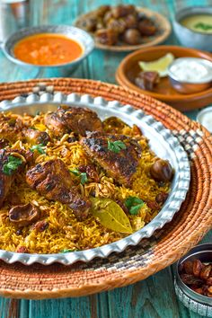 Yemini chicken mandi smoked rice Chicken mandi a Yemeni master piece of smoky rice with perfectly seasoned meat Middle East Food, Middle Eastern Dishes, Middle Eastern Recipes, Middle Eastern Chicken, Turkish Recipes, Indian Food Recipes, Ethnic Recipes, Persian Recipes, Arabic Recipes