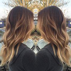 #livedincolor #livedinhair #livedinblonde #blonde #blondehair #unite #unitehair #colormelt #sombre #ombre #warmblonde #golden #goldenblonde #bronde #balayage