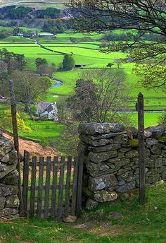 Gated Entry, Mersey River Valley, England photo via inthemiddle